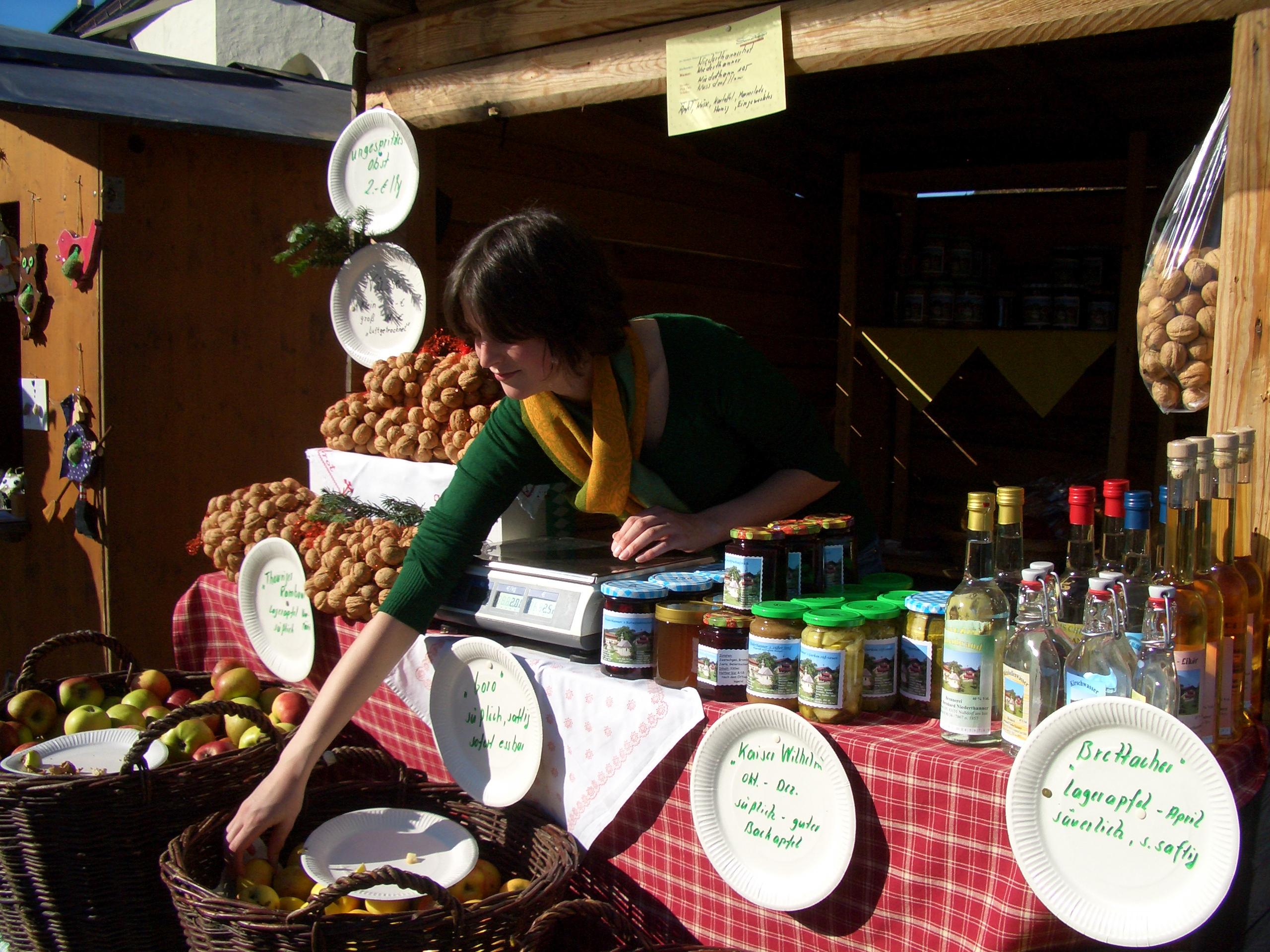 Herbstmarkt mit eigenen Produkten